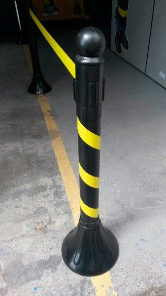 Pedestal retrátil